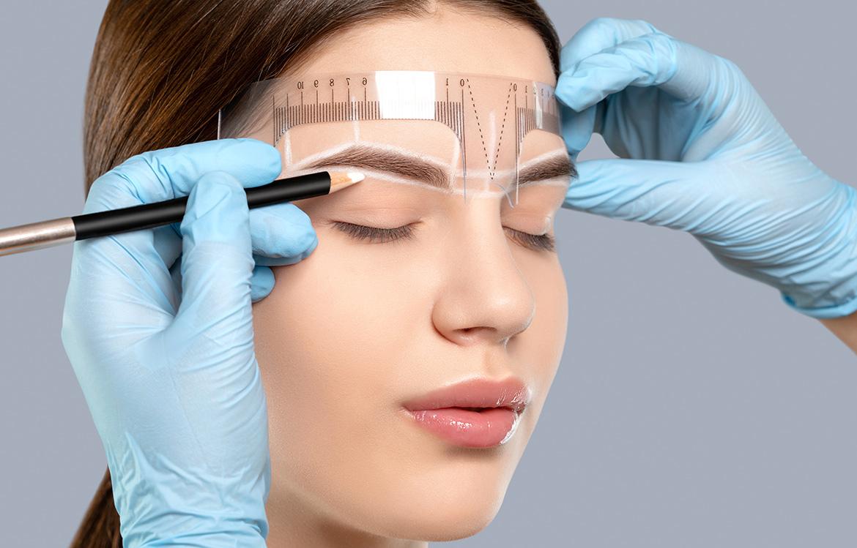 Úprava permanentního make-upu